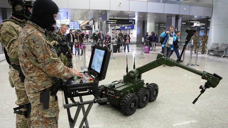 Automatyczny antyterrorysta. Robot IBIS pomoże na lotnisku w Balicach
