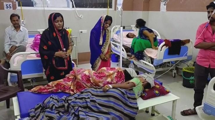"""Wykryto niebezpiecznego wirusa w Indiach. """"Zabija 75 proc. zainfekowanych"""""""