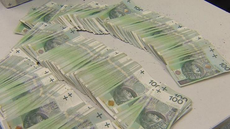 Łotysz oskarżony o wyłudzenie 95,5 mln zł VAT