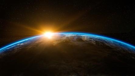 Próbka planetoidy Bennu z misji OSIRIS-REx rozpoczęła dwuletnią podróż na Ziemię
