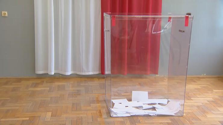 Członkowie komisji wyborczej zakażeni koronawirusem. Co z II turą?