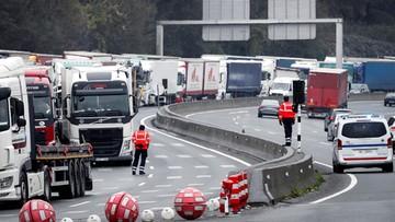 Francja: blokady dróg w proteście przeciw podwyżce akcyzy na paliwa