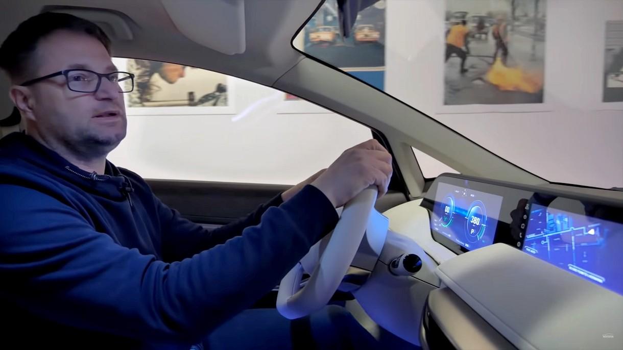 Zobaczcie, jak wygląda w środku i jeździ elektryczna Izera w wersji Hatchback [FILM]