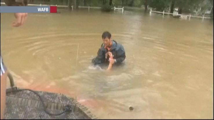 """""""O mój Boże, tonę!"""" Dramatyczna akcja ratunkowa w Luizjanie"""