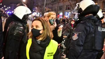 """""""Policjant działał w odruchu samoobrony"""". Kamiński o użyciu gazu wobec Nowackiej"""
