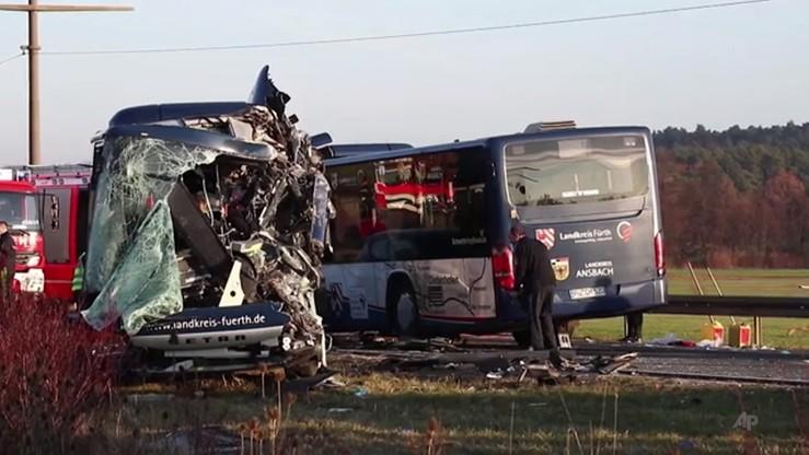 Niemcy: zderzenie autobusów kursowych koło Norymbergi. Kilkudziesięciu rannych