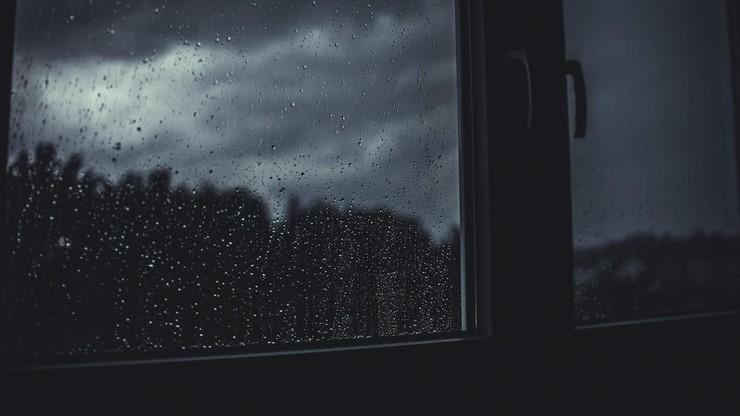 Deszcz, śnieg i porywisty wiatr. Pogoda na wtorek