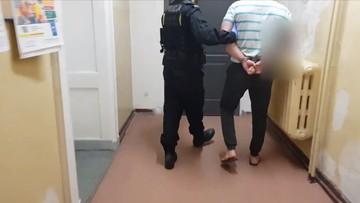 Były skazany pobił strażnika więziennego. Zatrzymano go na siłowni
