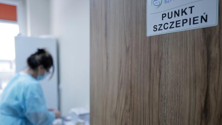 Niepożądane odczyny u zaszczepionych nauczycieli w Łodzi. Rzecznik dementuje