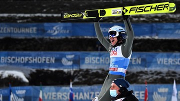 Kamil Stoch wygrał Turniej Czterech Skoczni! Deklasacja w Bischofshofen