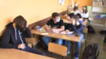 Setki uczniów na kwarantannie. Mieli kontakt z zakażonymi nauczycielami