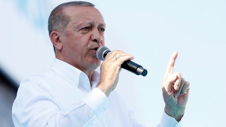 Erdogan: decyzja o zamknięciu meczetów popchnie świat do wojny religijnej