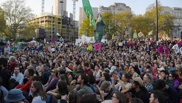 W. Brytania: policja zatrzymała 963 uczestników protestów klimatycznych