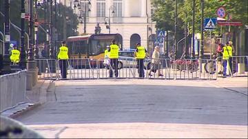 """Część ulic wokół Pałacu Prezydenckiego zamknięta. """"Ja mam tego dosyć"""""""