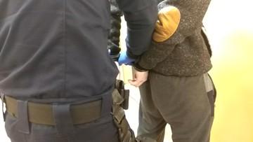 Domniemany gwałciciel zatrzymany po obławie. Mieszkańcy obawiają się wyjść po zmroku
