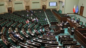 Które partie wejdą do Sejmu? Sondaż Kantar