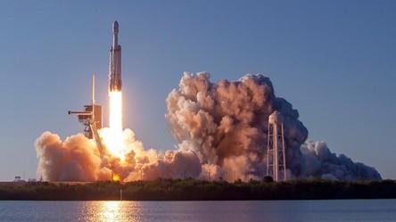 Zobaczcie drugi w historii pomyślny lot potężnej rakiety Falcon Heavy od SpaceX