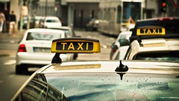"""""""Lex Uber"""" z podpisem prezydenta. Aplikacja może zastąpić taksometr"""