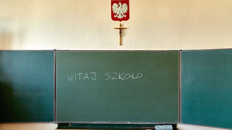 Czarnek: pierwszy etap wprowadzania obligatoryjnego wyboru między religią a etyką zajmie dwa lata - Polsat News