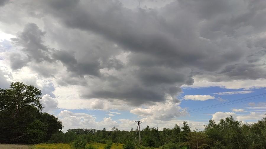 Chmury kłębiaste Cumulus nad zachodnią Polską. Fot. Jerzy / TwojaPogoda.pl