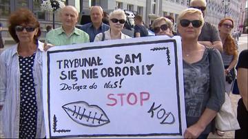 """""""Czarny protest"""" KOD-u w wielu miastach w Polsce"""