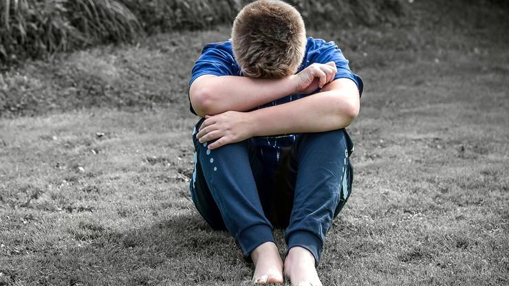 Ofiary bez wsparcia psychologicznego? Alarm komisji ds. pedofilii