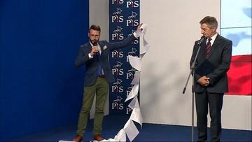 """Obok marszałka rozsypano wykaz lotów Tuska i Kopacz. """"Oczekujemy zainteresowania tym"""""""