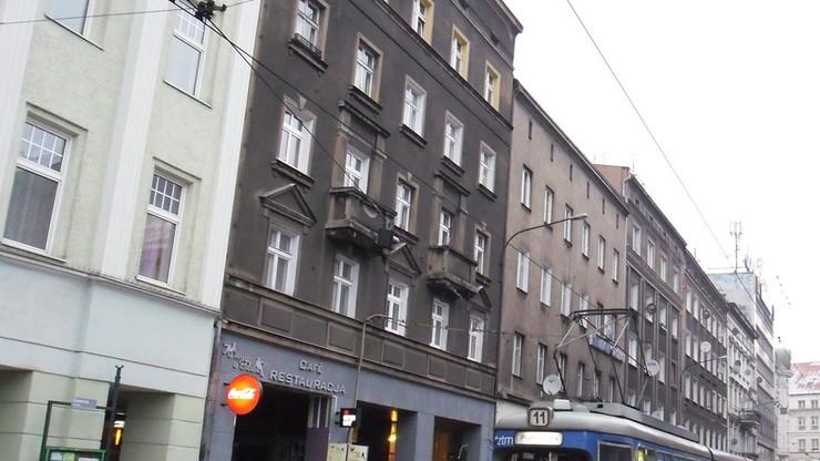 Poznań. Nie żyje 2,5-letnie dziecko, które wypadło z okna na drugim piętrze