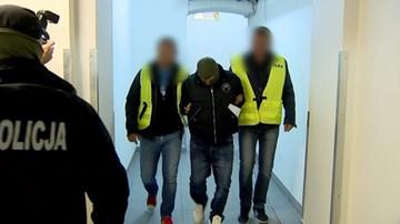 Za tę zbrodnię Tomasz Komenda spędził w więzieniu 18 lat. Nowy proces został przerwany