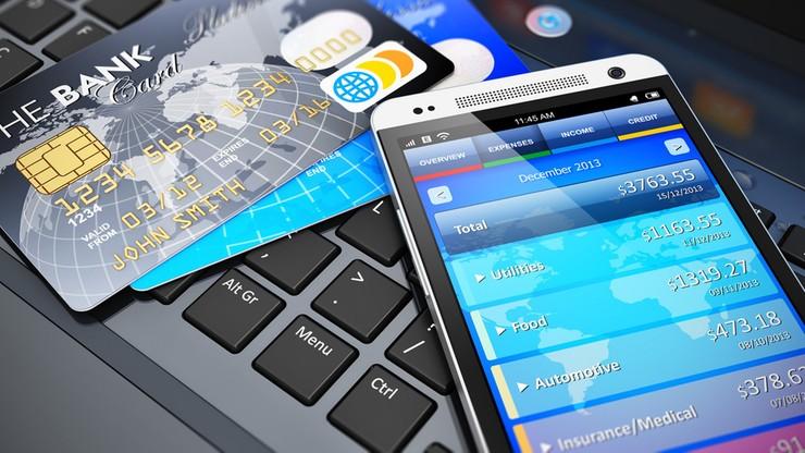 Aplikacja miała tłumaczyć teksty, a wykradała dane do logowania w polskich bankach