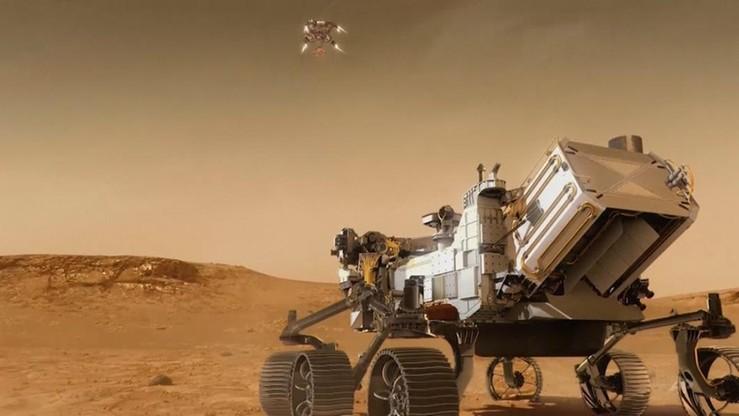 """""""Hit misji na Marsa"""". Ma wypaść z """"brzucha"""" łazika"""