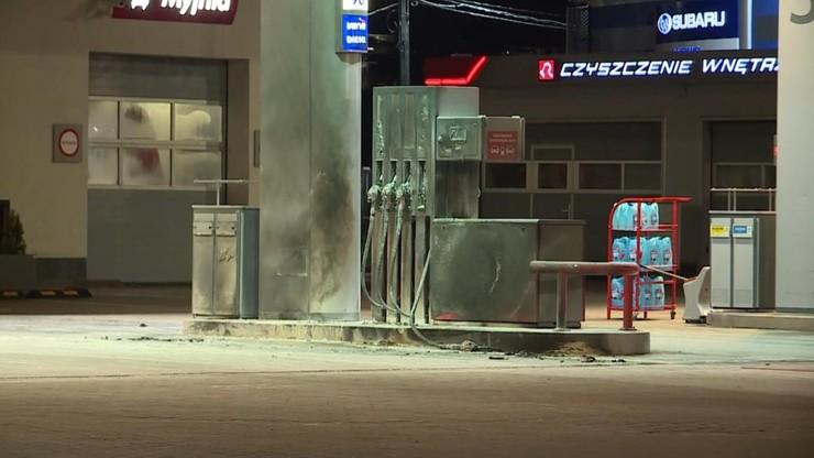 Zmarł mężczyzna, który podpalił się na stacji benzynowej