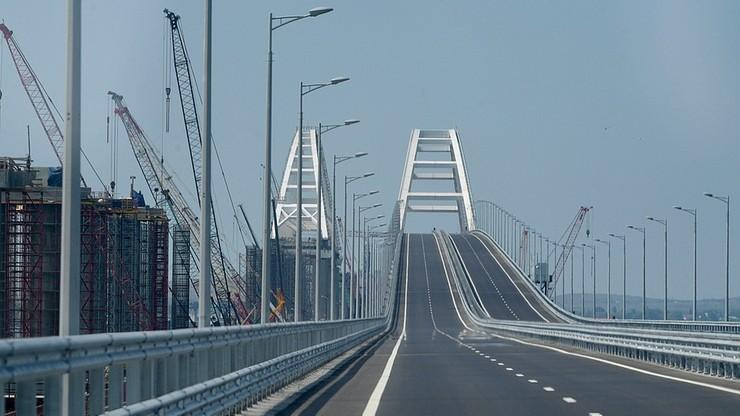 """Ukraińskie okręty przepłynęły pod Mostem Krymskim kontrolowanym przez Rosję. """"Powstaje baza"""""""