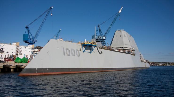Najdroższy na świecie okręt wojenny nie zdążył wypłynąć na misję. Zaczął przeciekać