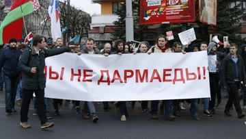 Zatrzymani podczas protestu pracownicy Biełsatu zwolnieni po kilku godzinach