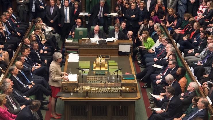 Brytyjska prasa: May powinna zrezygnować ze stanowiska