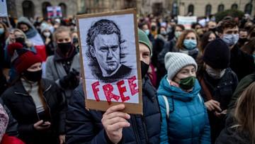 Ponad 2500 zatrzymanych po protestach w Rosji. Świat zareagował
