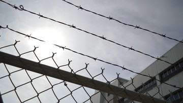 Uciekł z więzienia, ale chciał do niego wrócić. Policjanci się nie zgodzili