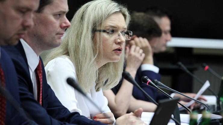 """""""Wynik słabości państwa"""". Komisja ds. Amber Gold przyjęła raport końcowy"""