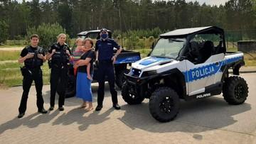 """6-latka zgubiła się na plaży. W akcji poszukiwawczej nowy radiowóz. """"Jedyny w swoim rodzaju"""""""