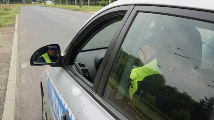 Wydawało mu się, że zgubił skuter. Policjantom wydawało się, że jest pijany. To oni mieli rację