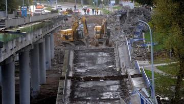 """Zawaliła się część wiaduktu. """"Nie możemy wykluczyć, że ktoś był pod mostem"""""""