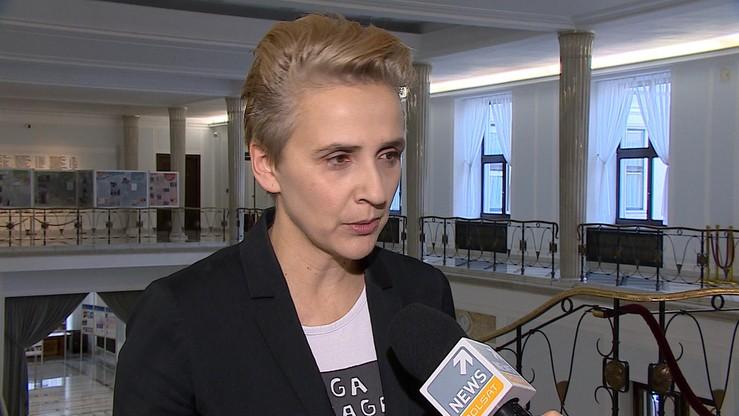Wiosna chce powołania niezależnej komisji ds. zbadania przypadków pedofilii w polskim Kościele