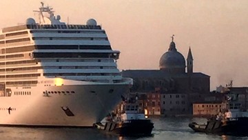 Statki wyższe od budynków znów pływają po Wenecji. Mieszkańcy protestują