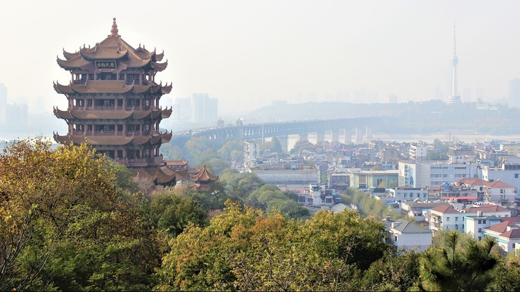 Chiny. Nowe przypadki koronawirusa w Wuhan. Władze testują miliony mieszkańców