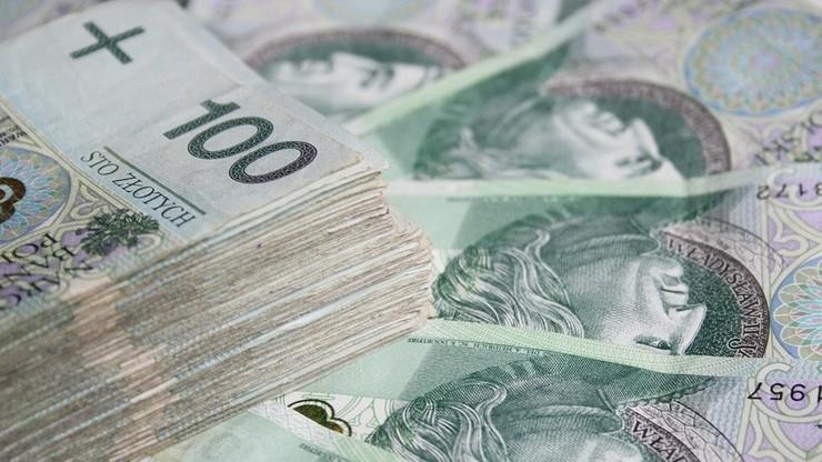 Polacy zadłużyli się przed świętami na blisko sześć miliardów złotych. Spłata zobowiązań zajmie lata