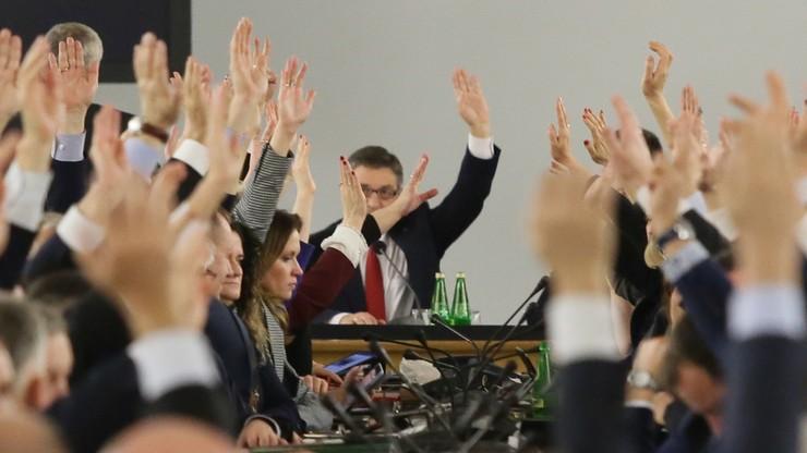 Konstytucjonaliści podzieleni w sprawie wczorajszego głosowania