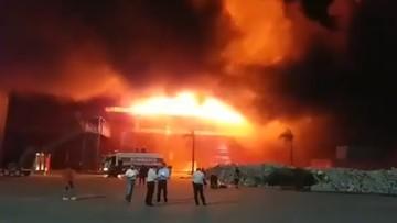 Ogromny pożar na torze motocyklowym. Całkowicie zniszczone garaże