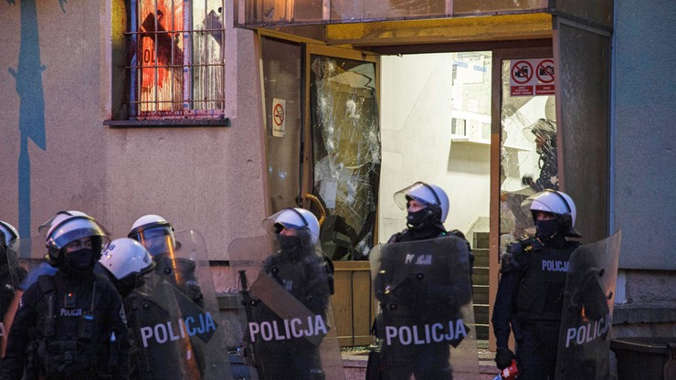 Poseł PO o zajściu w Lubinie: Kto mówi prawdę? Policja czy ratownicy medyczni?