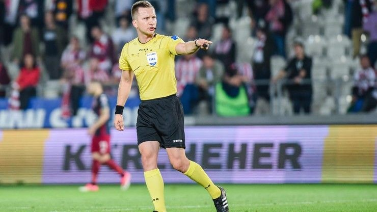 Raczkowski zamiast Marciniaka. Zmiana arbitra meczu Anglia - Niemcy na Wembley
